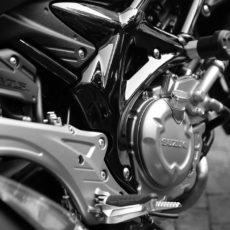 Comment cabrer en moto ?