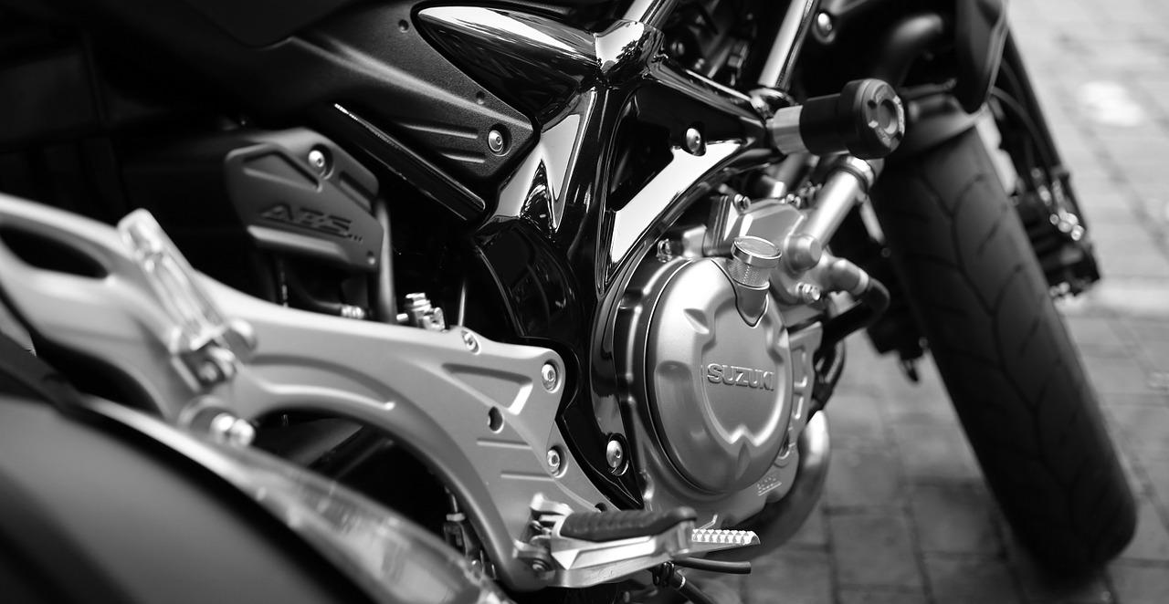 cabrer une moto