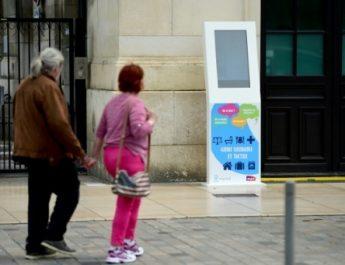 Avantages de digitaliser un  point de vente par une borne tactile