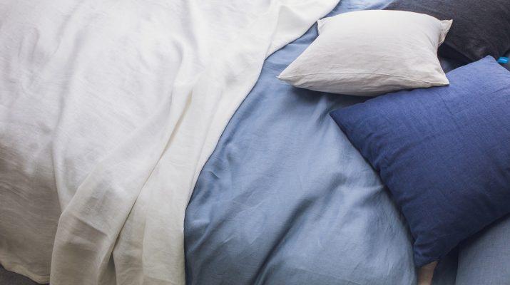 linges de lit bleu